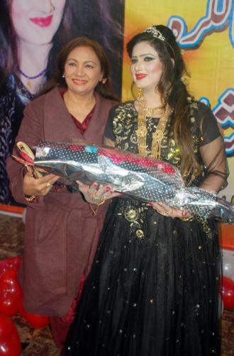 ماڈل، اداکارہ، گلوکارہ''غزل شاہ16