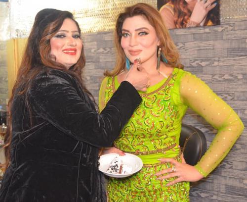 ماڈل، اداکارہ، گلوکارہ''غزل شاہ26
