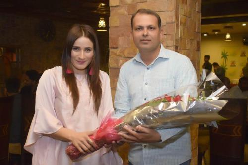 ماڈل اداکارہ ہوسٹ ثمرانہ شاہ13