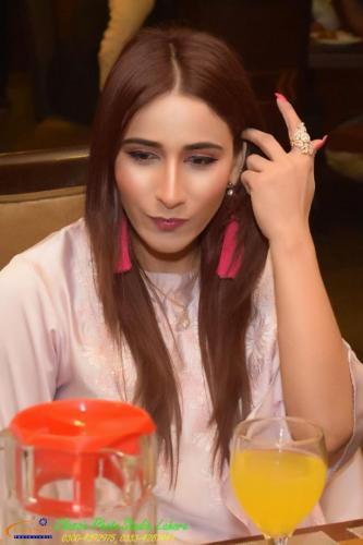 ماڈل اداکارہ ہوسٹ ثمرانہ شاہ15