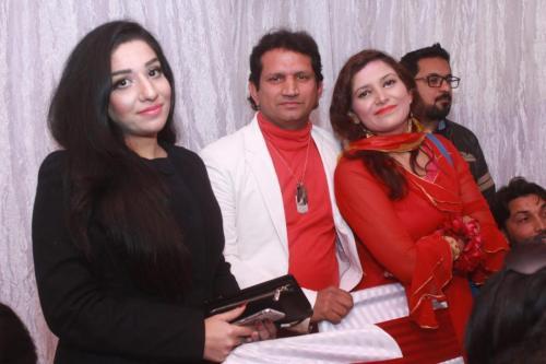 ماڈل بیا خان کی سالگرہ 13