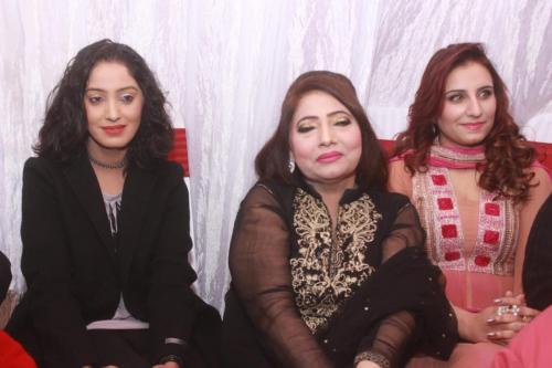 ماڈل بیا خان کی سالگرہ 28