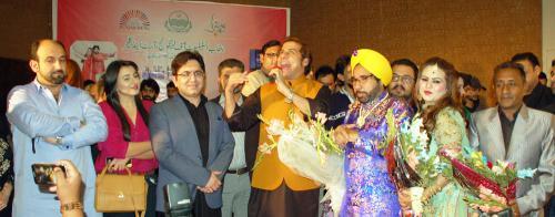 ناصر بیراج اور لائبہ خان 55