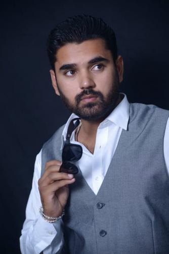پاکستانی ماڈل و اداکار فرحان علی